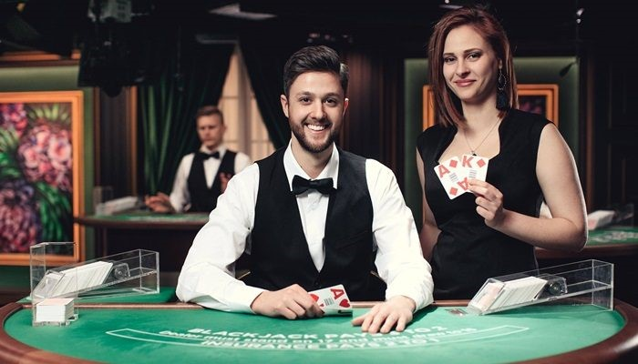 main poker tiga kartu